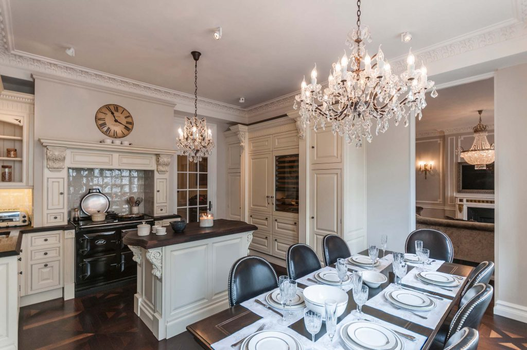 Dining_Room_Chandelier_Details_Style_Cover_Home_House_Place_Obscure_Abstract_Kitchen_Secretcape_Colour_Luxury_Art_Interiordesign_London_Delux_Lights_Grand_Home_Interior_Elegant