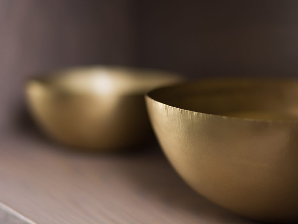 Cover_Carrington House_Bowl_Bowls_Gold_Cover_Carrington House_Living Room_Place_Dining_Room_Secretcape_Colour_Luxury_Marble_Art_Interiordesign_London_Delux_Elegant_Lights_Grand_Home_Interior_Design