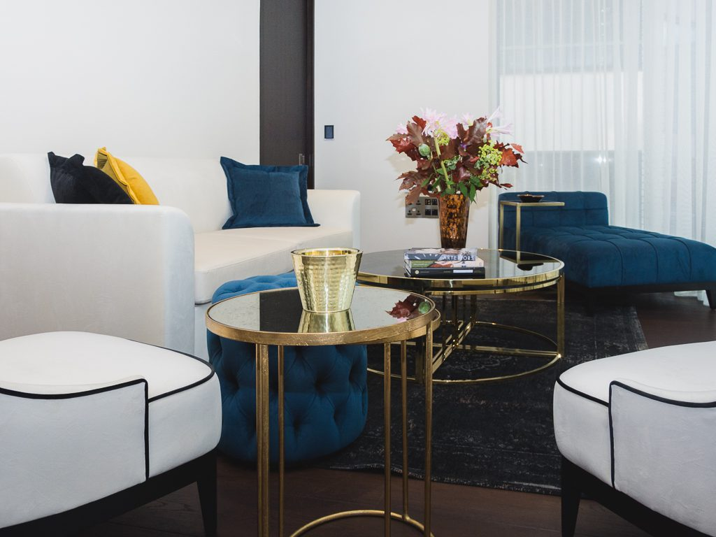 Gold_Wood_Chair_Contemporary_Flowers_Details_Style_Living_Cover_Home_House_Place_Obscure_Abstract_Secretcape_Colour_Luxury_Art_Interiordesign_London_Delux_Lights_Grand_Interior_Elegant