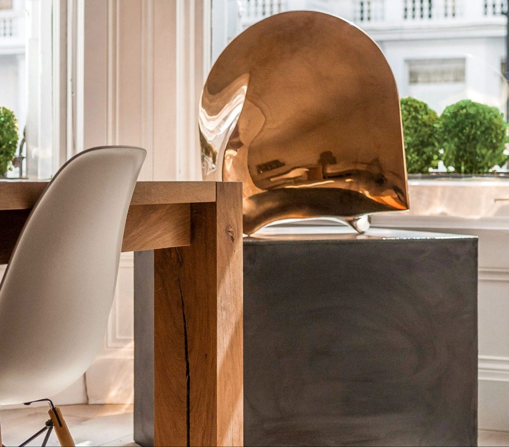 Gold_Wood_Chair_Contemporary_Living_Dining_Chandelier_Details_Style_Living_Cover_Home_House_Place_Obscure_Abstract_Secretcape_Colour_Luxury_Art_Interiordesign_London_Delux_Lights_Grand_Interior_Elegant